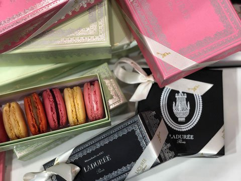 Laduree-macarons-pop-up-at-Hirshleifers-at-the-Americana-Manhasset_480X360.jpg