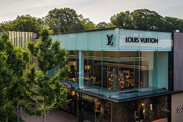 LouisVuitton_375x250.jpg