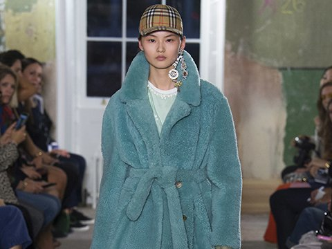burberry_fall2017_mainpage.jpg